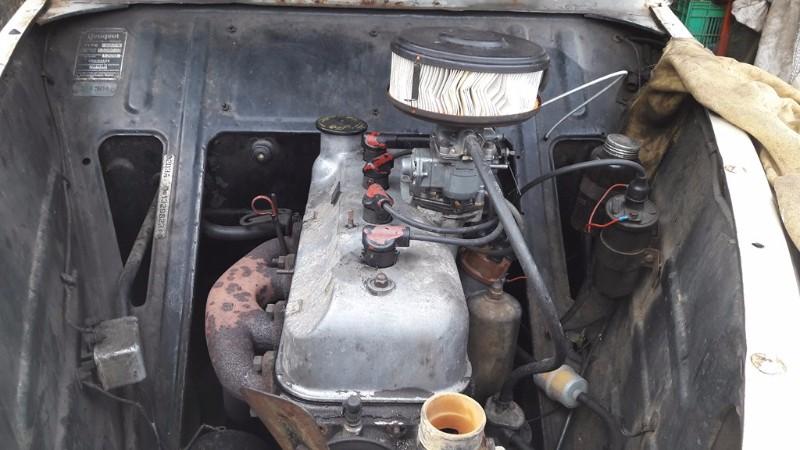 chèvre pour moteur voiture
